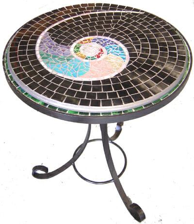 Mosaic table – Nautilus pattern