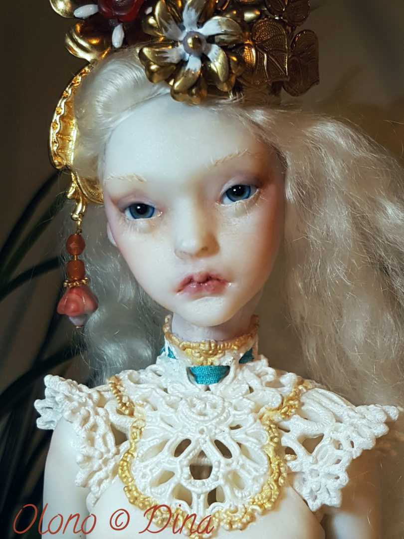 Olono and the Moon – a story about a beautiful ball joint doll