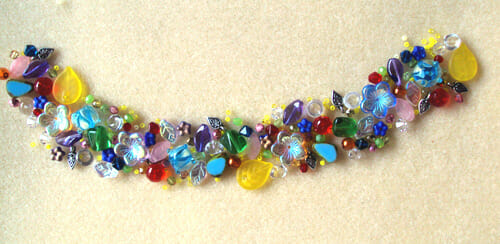 How to design a rainbow bead bracelet